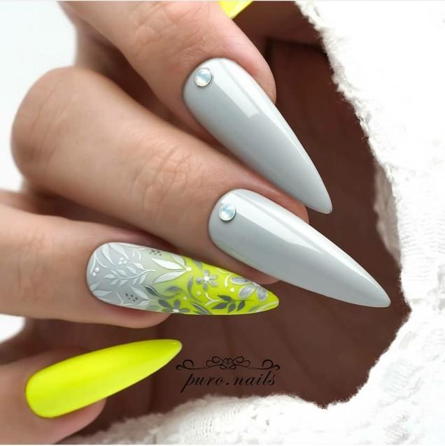 флорален маникюр остри нокти