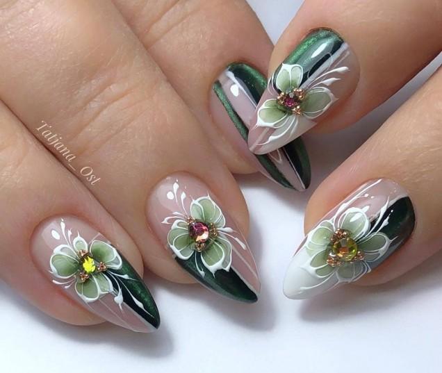 остри нокти с акрил