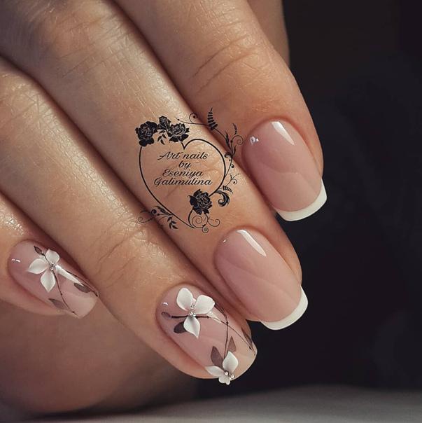 френски къси нокти.jpg