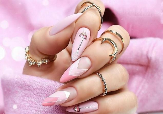 френч бадемови нокти