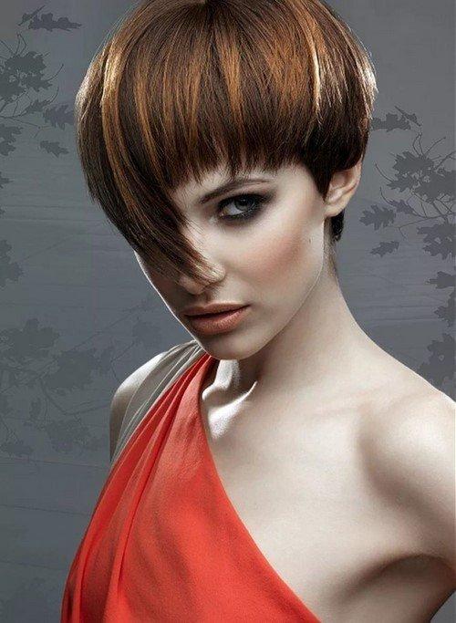 къса коса асиметричен бретон