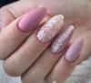 маникюр розова дантела