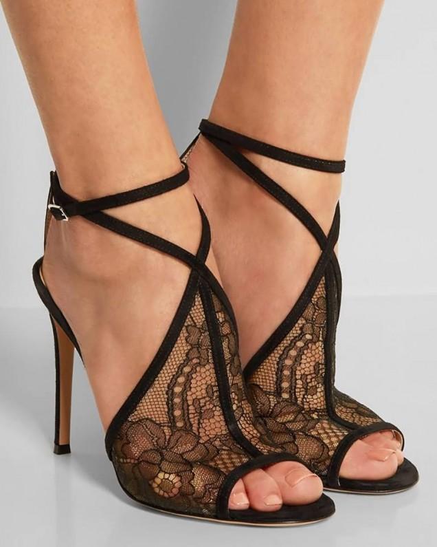 елегантни обувки с дантела