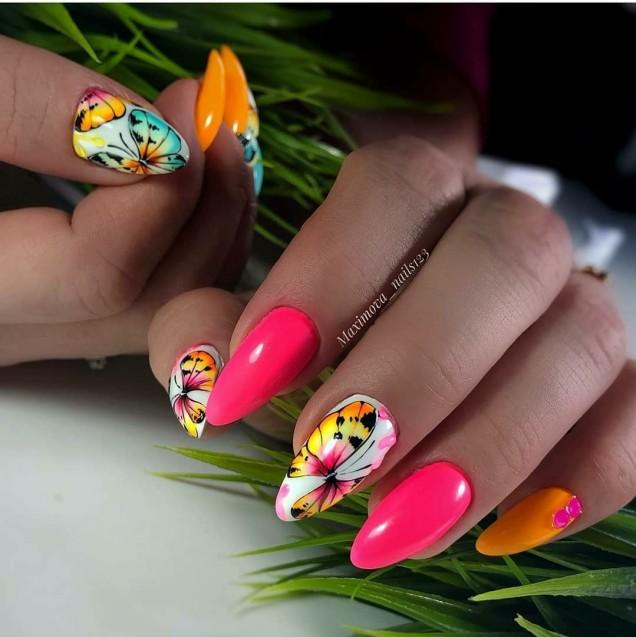 пролетен маникюр ярки цветове