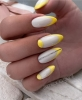 пролетен геометричен маникюр жълто