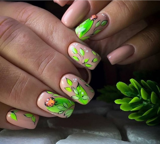 шарени нокти.jpg