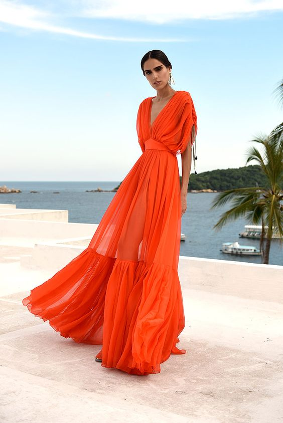 ярка лятна рокля