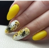 Френски маникюр в жълто