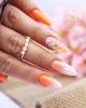 преливащ оранжев маникюр