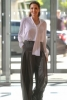 Анджелина Джоли визия с панталон