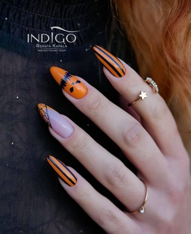 оранжев бадемов маникюр Хелоуин