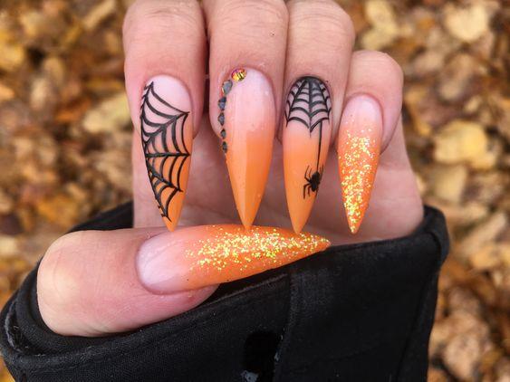 маникюр с паяжина Хелоуин