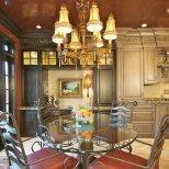 Интериор за трапезария с мебели от ковано желязо
