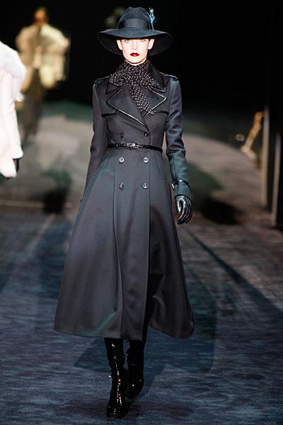Черен тренчкоут Gucci Есен-Зима 2011
