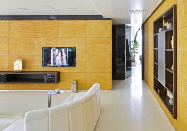 модерен и луксозен апартамент в Москва