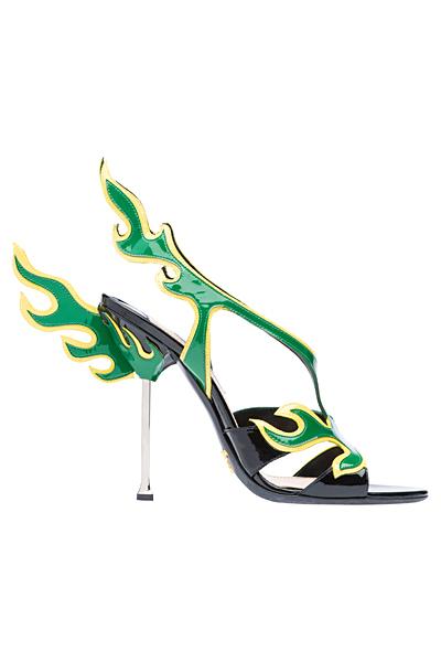 Лачени сандали с тънко токче в черно, бяло и зелено Prada Пролет-Лято 2012