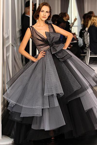 Рокля тип принцеса на големи волани с панделка Haute Couture на Dior за Пролет-Лято 2012