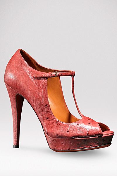 Розови обувки на ток с Т-каишка Gucci Есен-Зима 2011