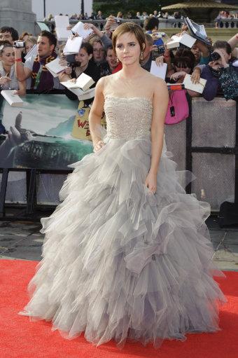 Ема Уотсън във вечерна рокля