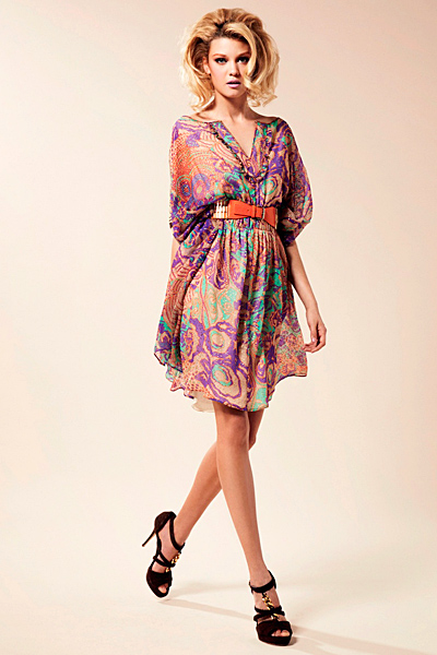 Къса ефирна рокля с остро деколте Предпролетна колекция Blumarine за 2012