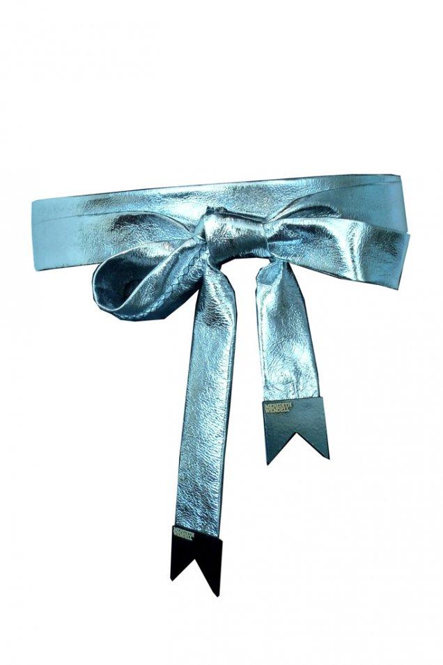 Колан кожа светло син металик с красива панделка Meredith Wendel есен-зима 2011
