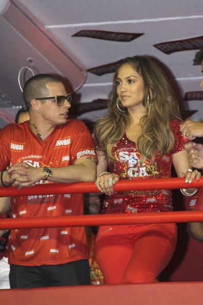 Дженифър Лопез и Каспър Смарт на карнавала в Рио