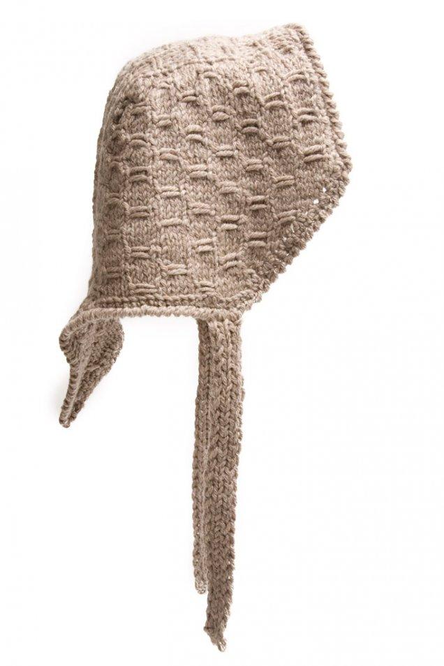 Плетена шапка тип качулка бежова Rochas есен-зима 2011