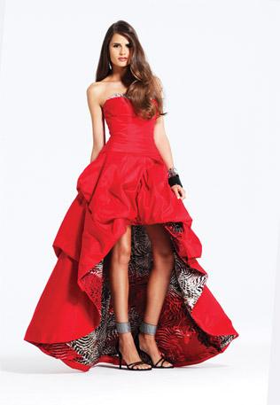 8e692fad2fb Ярко червена дълга рокля без презрамки и пола тип принцеса за бал 2012 - За  Жената