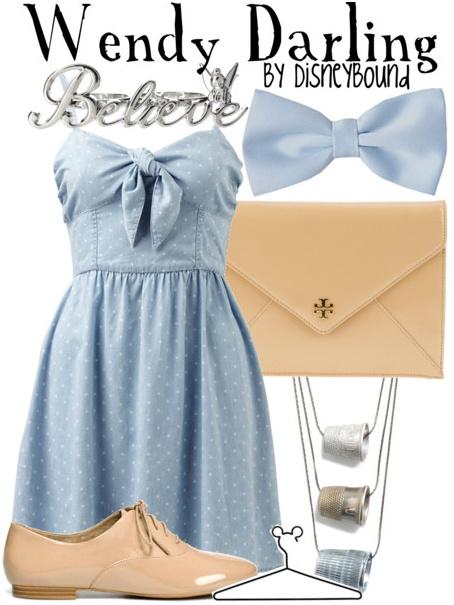 Фешън сет със сладка светло синя рокля и аксесоари