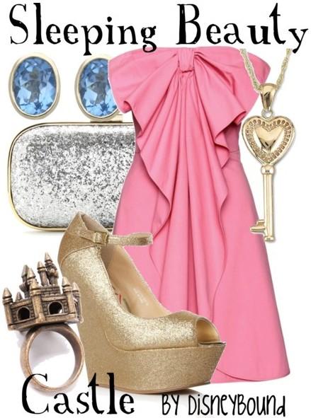 Фешън сет Спящата красавица с розова туника
