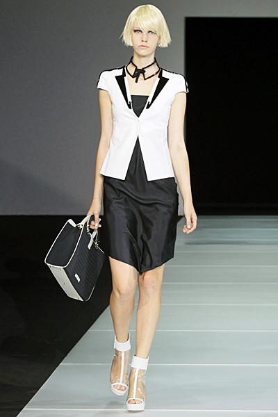 Черна рокля с елек в бяло Emporio Armani Пролет-Лято 2012