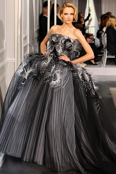 Бална рокля без презрамки в сиво и черно Haute Couture на Dior за Пролет-Лято 2012