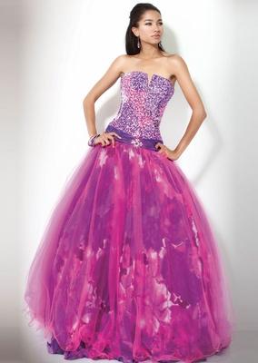 Ефектна рокля дълга без презрамки в два нюанса на лилаво за бал 2012