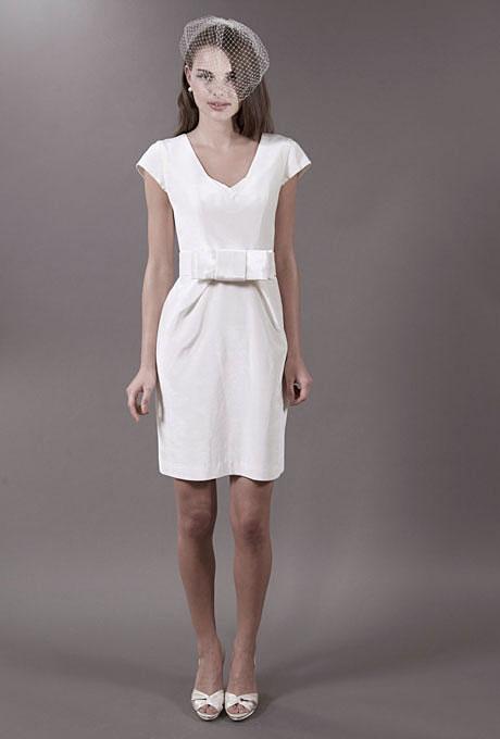 Стилна къса булчинска рокля с панделка на кръста 57 Grand пролет 2012
