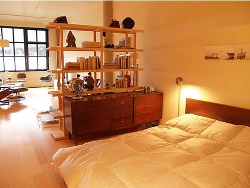 Интериор за малък апартамент с едно пространство