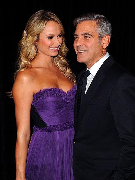 Джордж Клуни, придружаван от Стейси Киблър