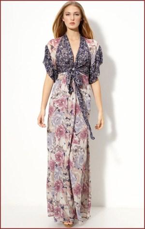 Макси копринена рокля на цветя в преливащи цветове пролет-лято 2012