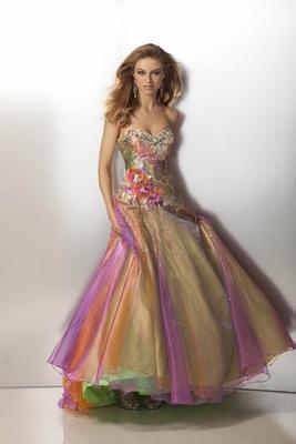 Бални рокли 2012 Дълга бална рокля тип принцеса в цветовете на дъгата 2012
