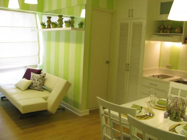 Интериор за малък апартамент с хол и кухня заедно