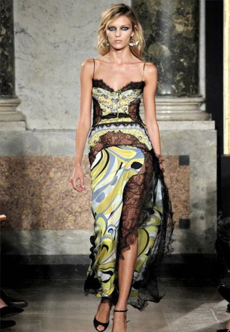 Рокля с черна дантела и зелени шарки Еmilio Рucci пролет 2012