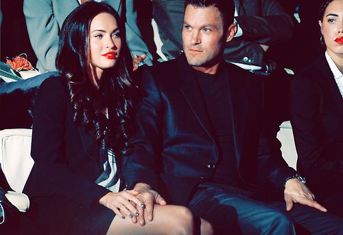 Меган Фокс със съпруга си на първия ред на ревю на Армани в Милано
