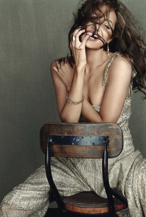 Камерата обича Анджелина Джоли