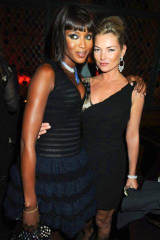 Кейт Мос с Наоми Кембъл на вечеря в чест на Topshop