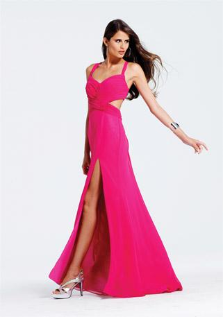 Дълга цикламена рокля с цепка и изрязан гръб за бал 2012