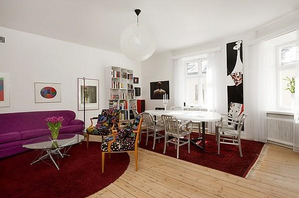 Интериор за малък апартамент с хол и дневна на едно
