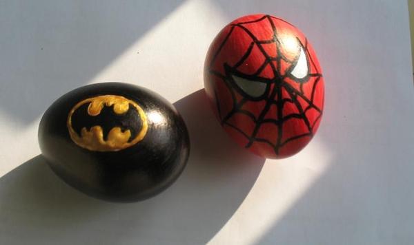 Великденско яйце батман и спайдърмен