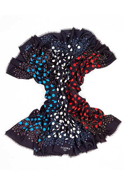 Шал черен на сини, бели и червени точки Loewe Есен-Зима 2011