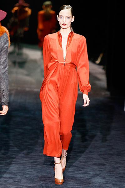Стилен гащеризон в оранжево Gucci Есен-Зима 2011