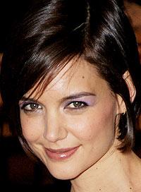 Кейти Холмс с лек грим в лилаво