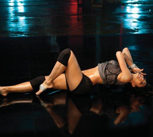 Никол Шерцингер дължи перфектното си тяло на танците